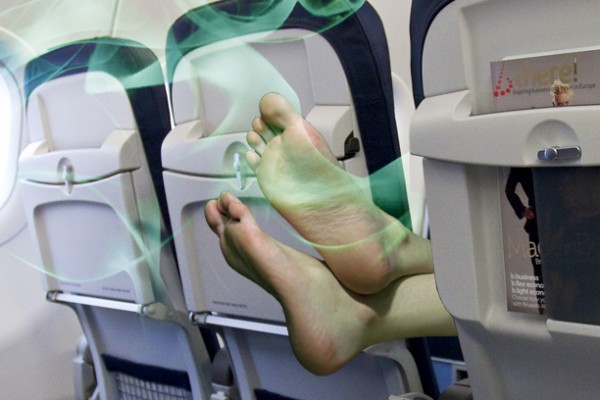 1050x400 Passenger 15A smelly feet